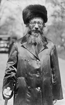 Abraham_Isaac_Kook_1924